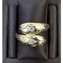 Sullivan's Estate Jewelry 18Kt Gold Ring Dual Serpant Head Ring Set with Diamonds