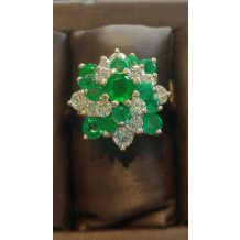 SULLIVAN'S ESTATE JEWELRY Emerald Cluster Ring