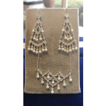 SULLIVAN'S ESTATE JEWELRY Pendant and Earring Set